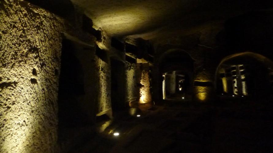 Подвалы катакомб.
