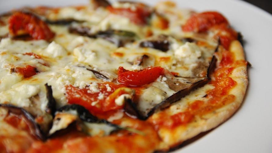 Фрагмент пиццы.