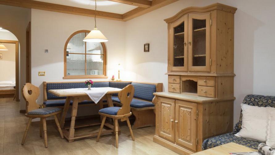 Деревянная мебель — это экологично.