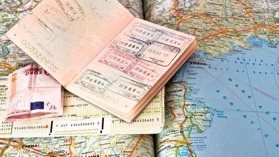Как оформить необходимые для путешествия документы?