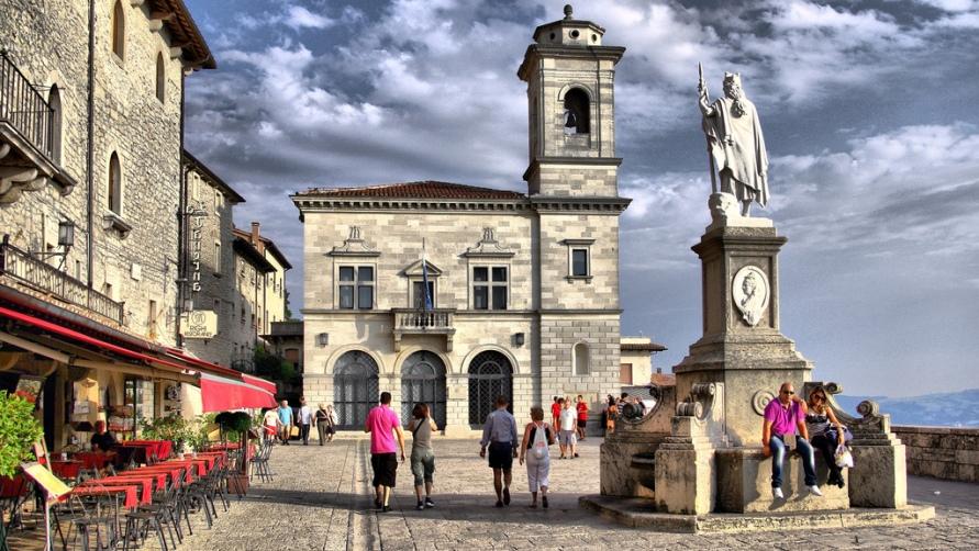 Площадь в Сан Марино.