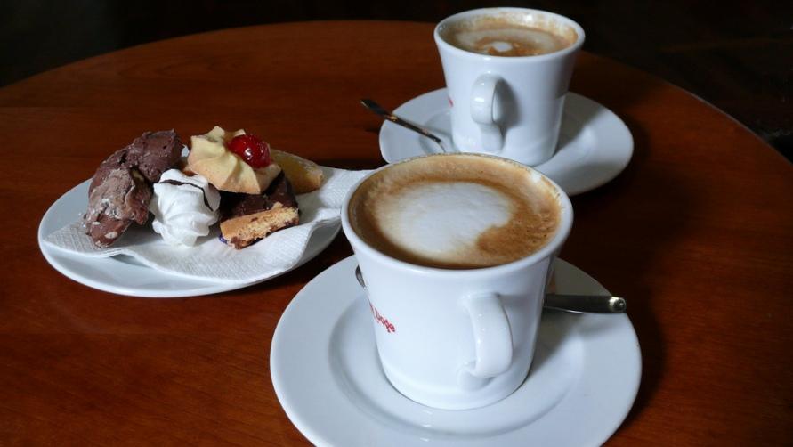Кофе и печенье.