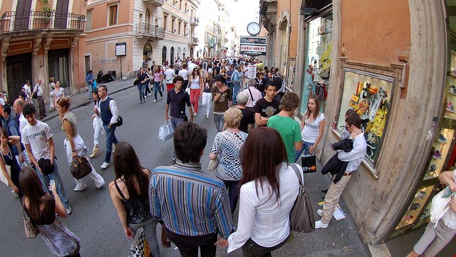 Улица Via del Corso в Риме.
