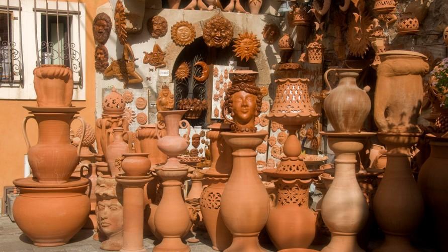 Магазин глиняной посуды