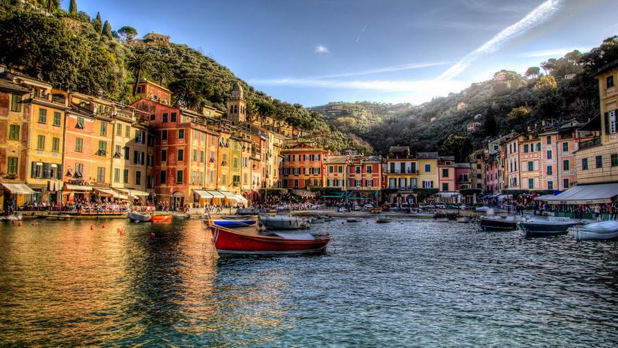 Итальянский курорт Portofino — самый богатый в стане.