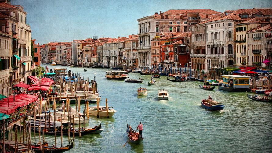Транспортное сообщение в Венеции.
