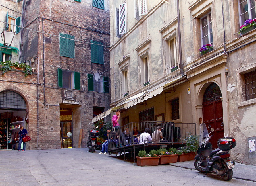 Фасады зданий не меняются здесь уже 500 лет.