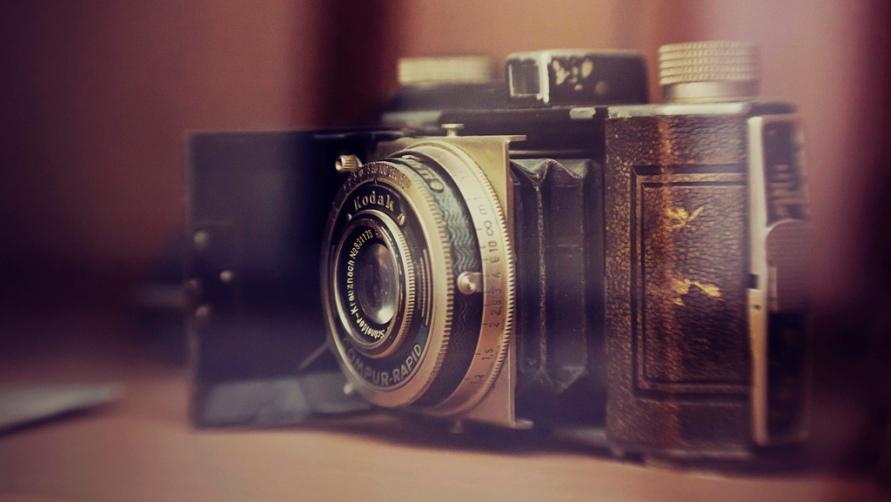 Антикварный фотоаппарат