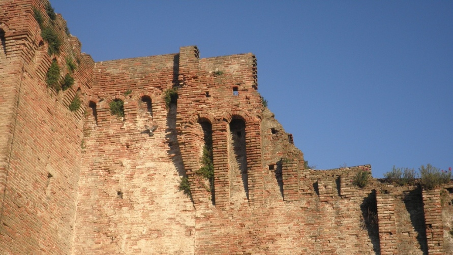 Замок Сизмондо