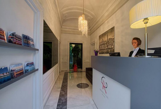 Отель Граваина 3 звезды в центре Рима.