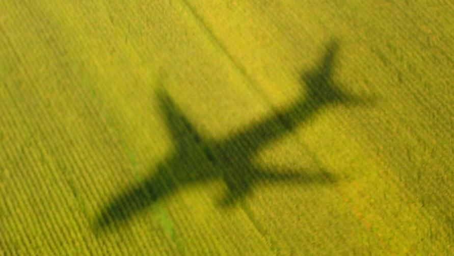Тень от самолета