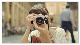 Девушка фотограф.