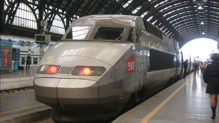 Скоростной поезд SNCF TGV.