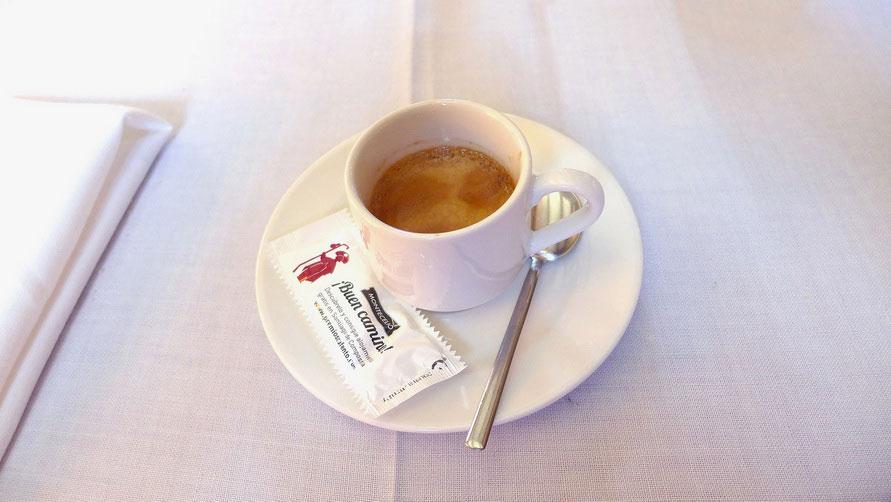 Посидите в кафе, выпейте кофе.