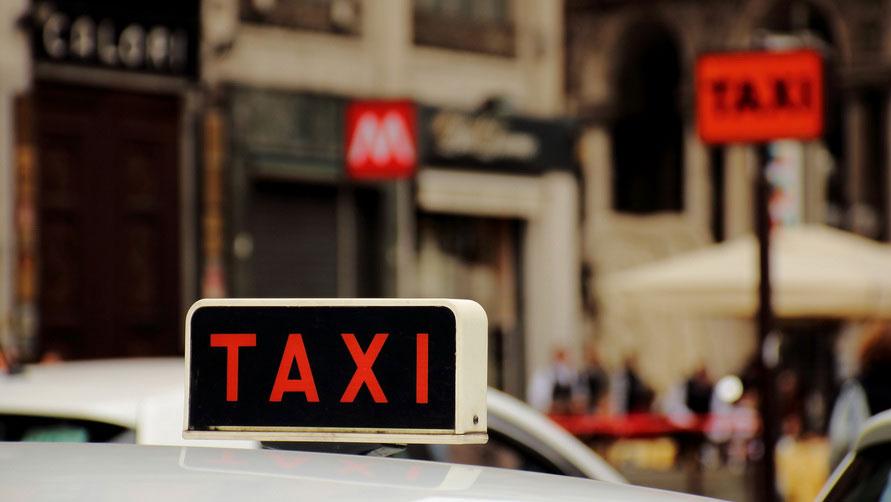Как заказать такси в Италии.