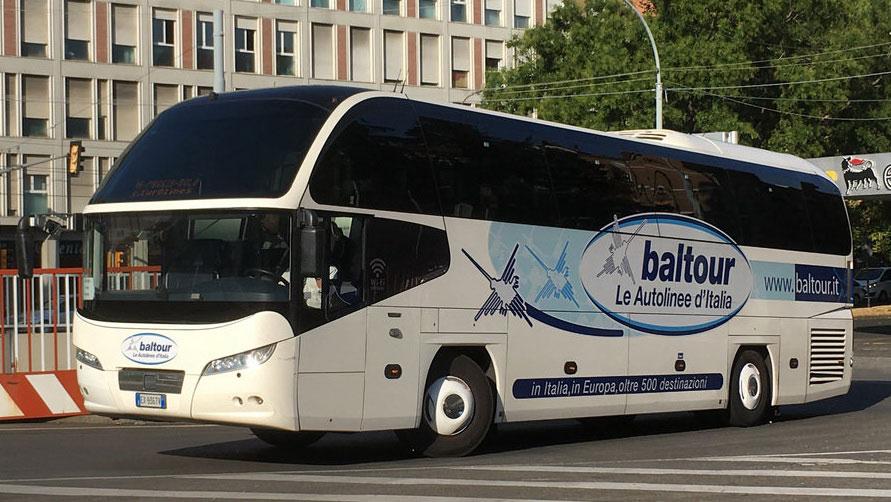 Автобус Балтур.