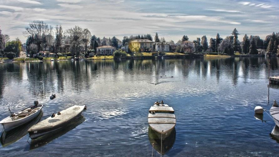 Лодки в городе Стреза.