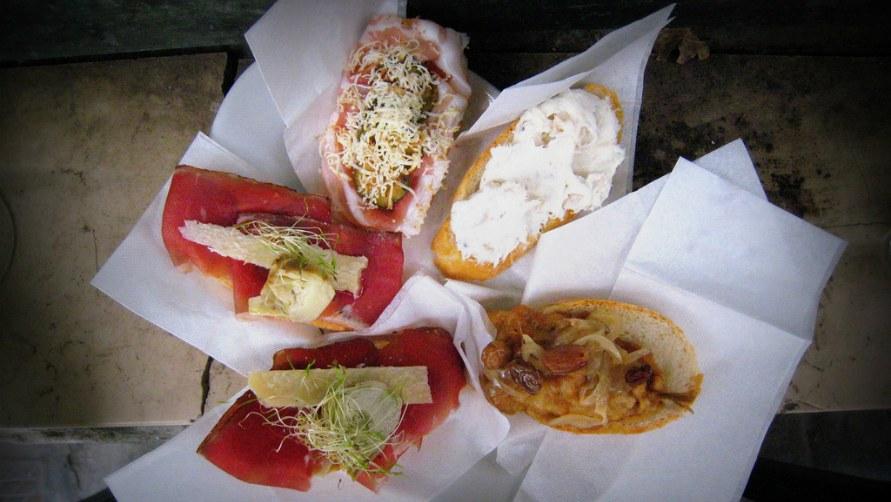 Бутерброды на обед.