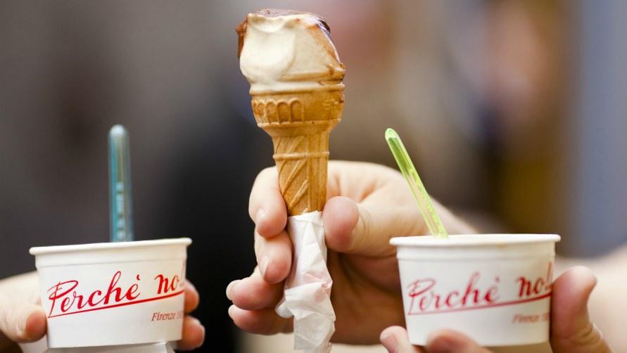 Мороженое трубочка.
