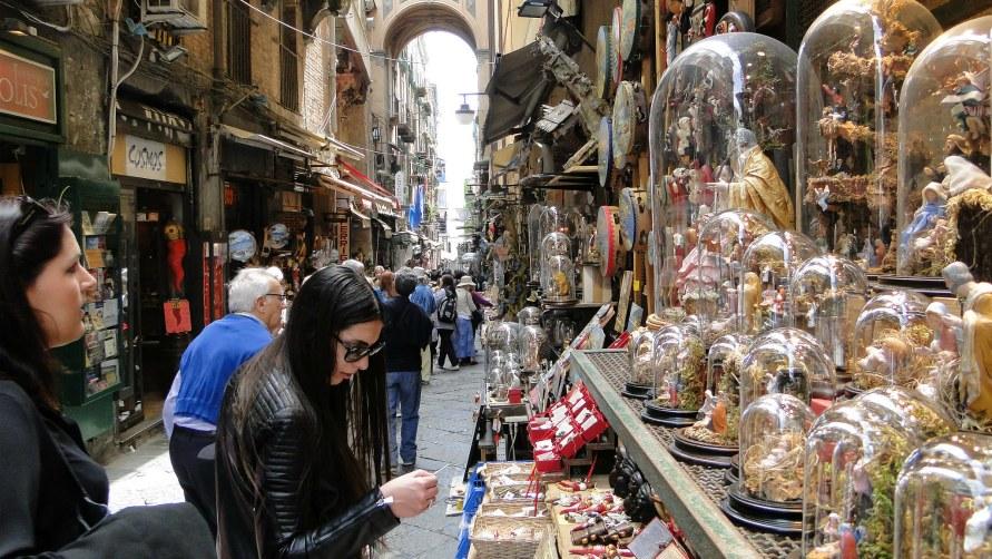 Рынок сувениров.
