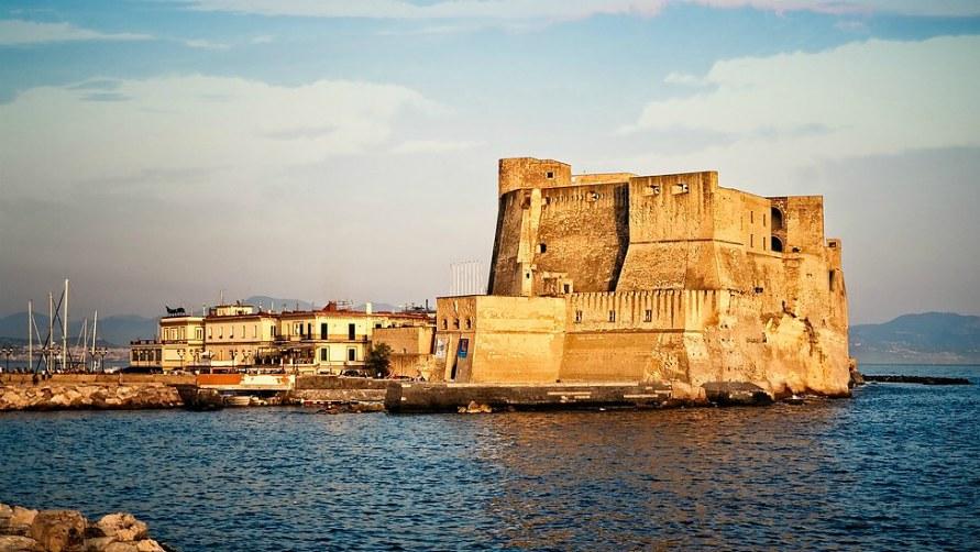 Замки Неаполя.