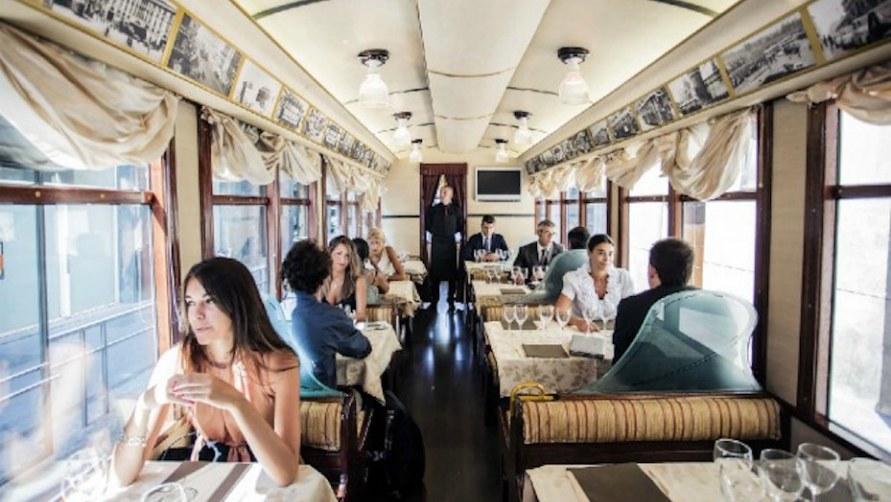 Трамвай ресторан.