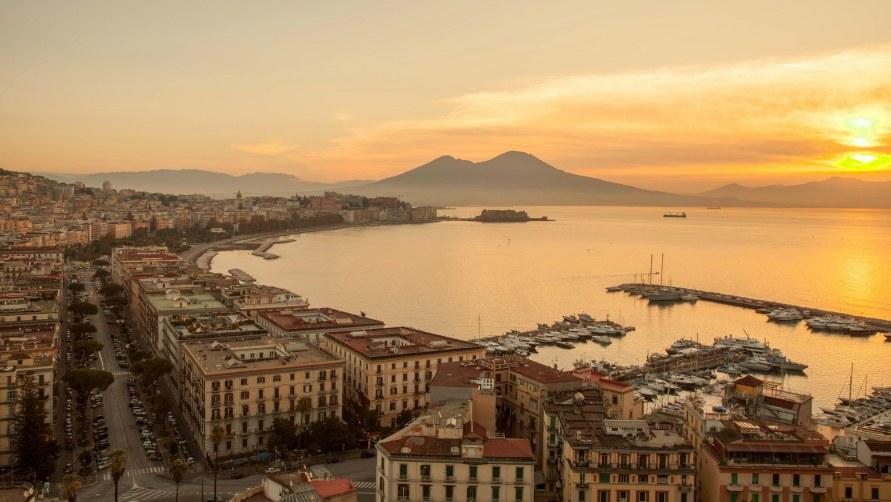 Закат в Неаполе.